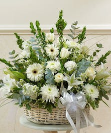 Send an expression of your sympathy and compassion with this sophisticated and elegant arrangement