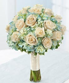 A truly sophisticated bouquet for today's bride