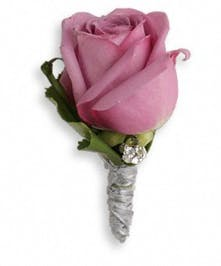 Keep it sweet and simple with a singularly stunning lavender rose